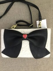 betsy-johnson-white-cross-body-purse-1